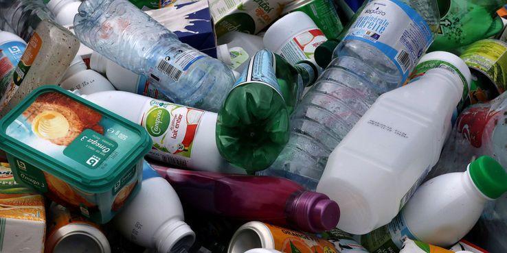 Voici-la-liste-des-produits-en-plastique-du-quotidien-qui-vont-bientot-etre-interdits